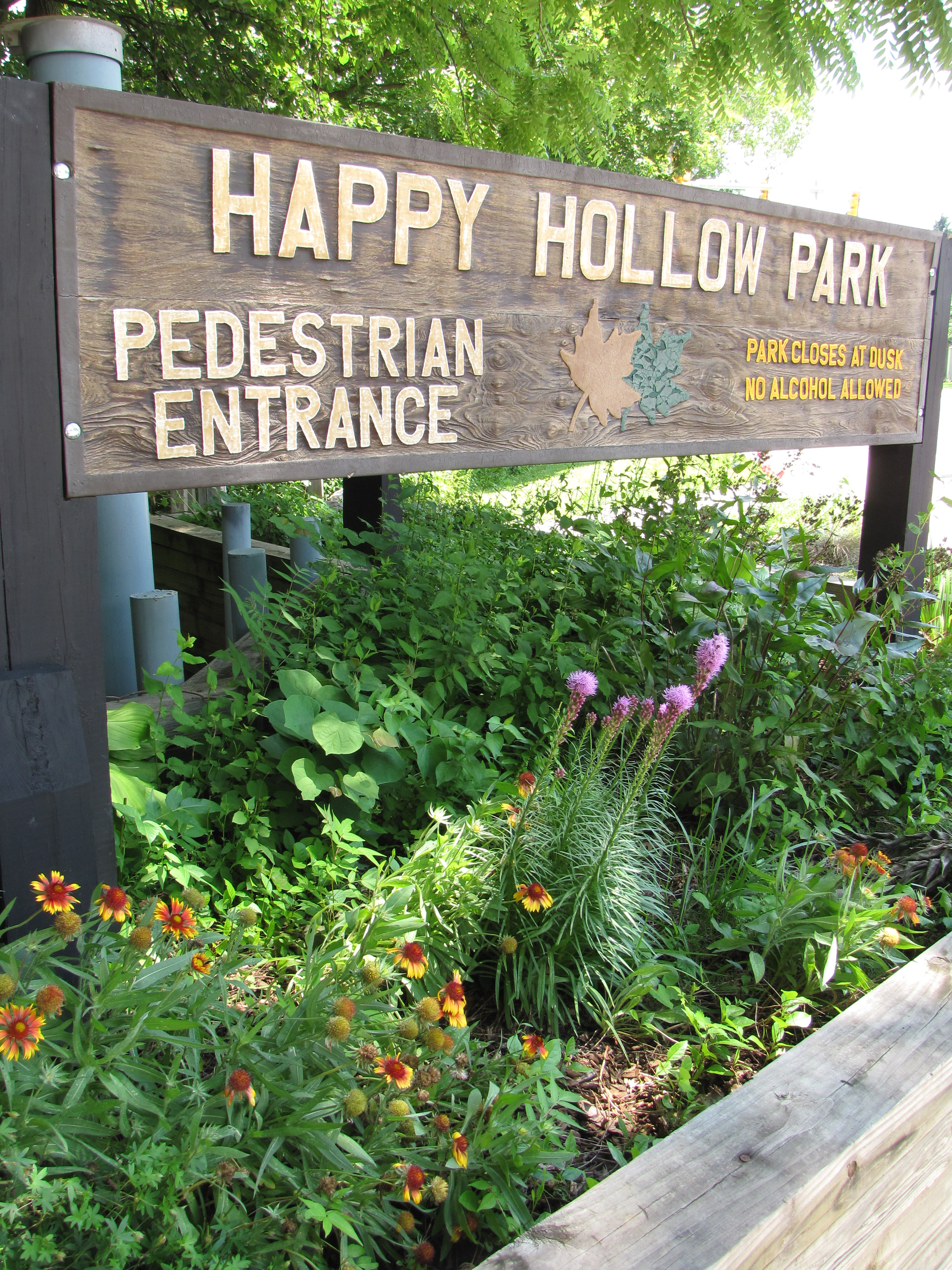 Walk-in Entrance to Happy Hollow Park